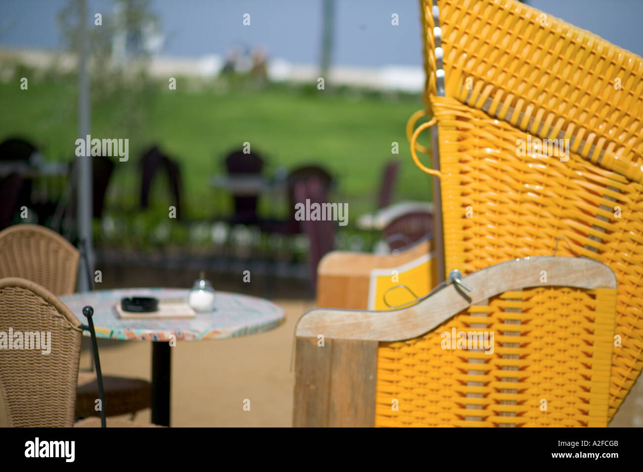 Europa, Deutschland, Warnemünde, vor restaurant Stockbild
