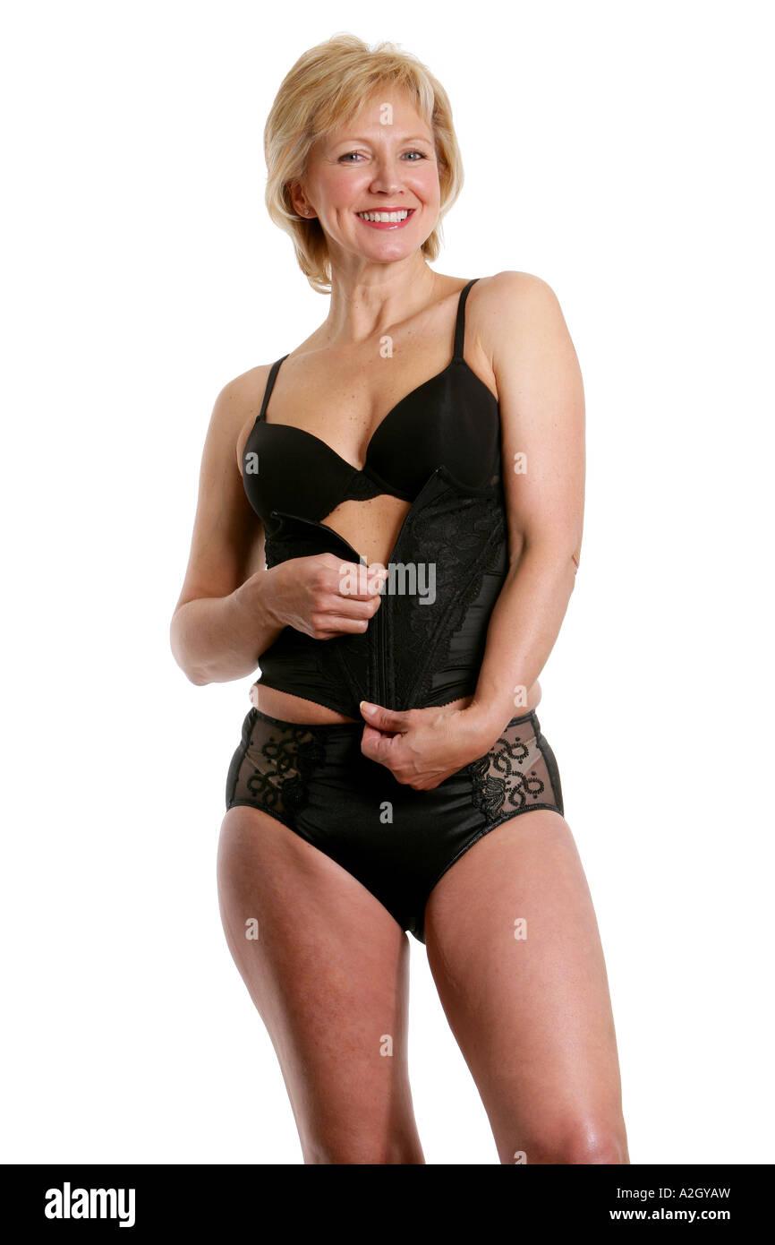 Bilder von reifen Frauen in Unterwäsche