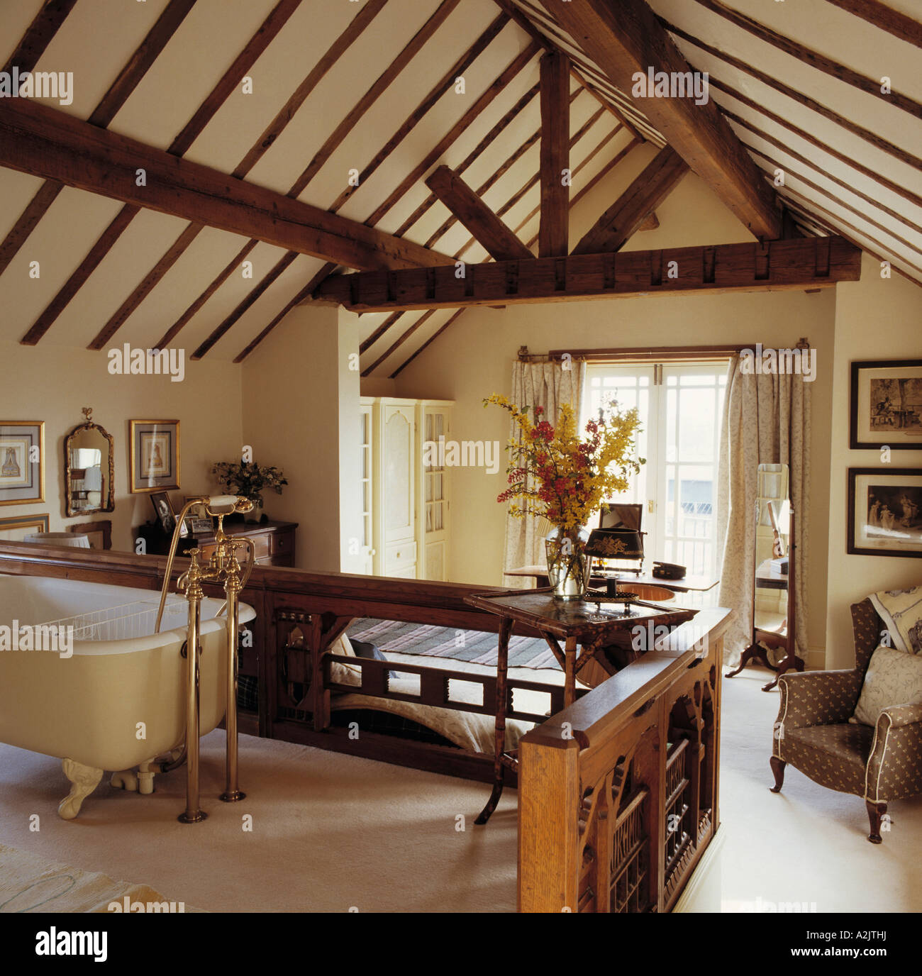 country interiors traditional conversion stockfotos country interiors traditional conversion. Black Bedroom Furniture Sets. Home Design Ideas