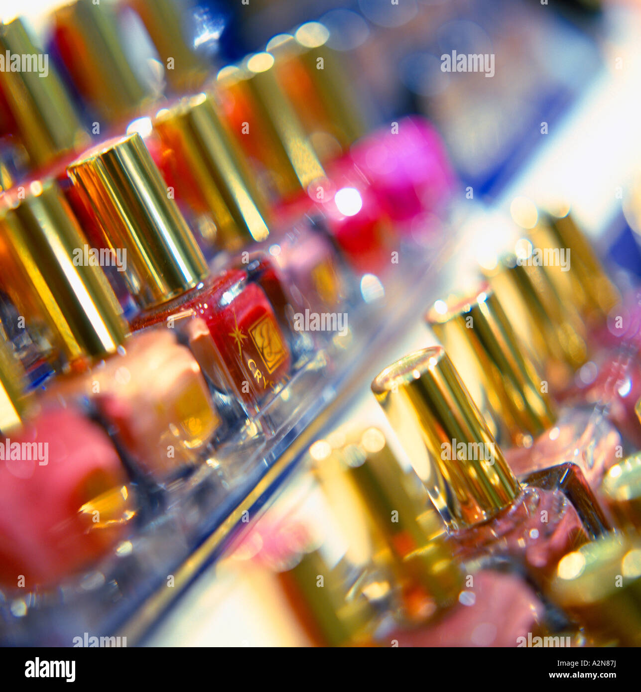 red nail polish stockfotos red nail polish bilder alamy. Black Bedroom Furniture Sets. Home Design Ideas