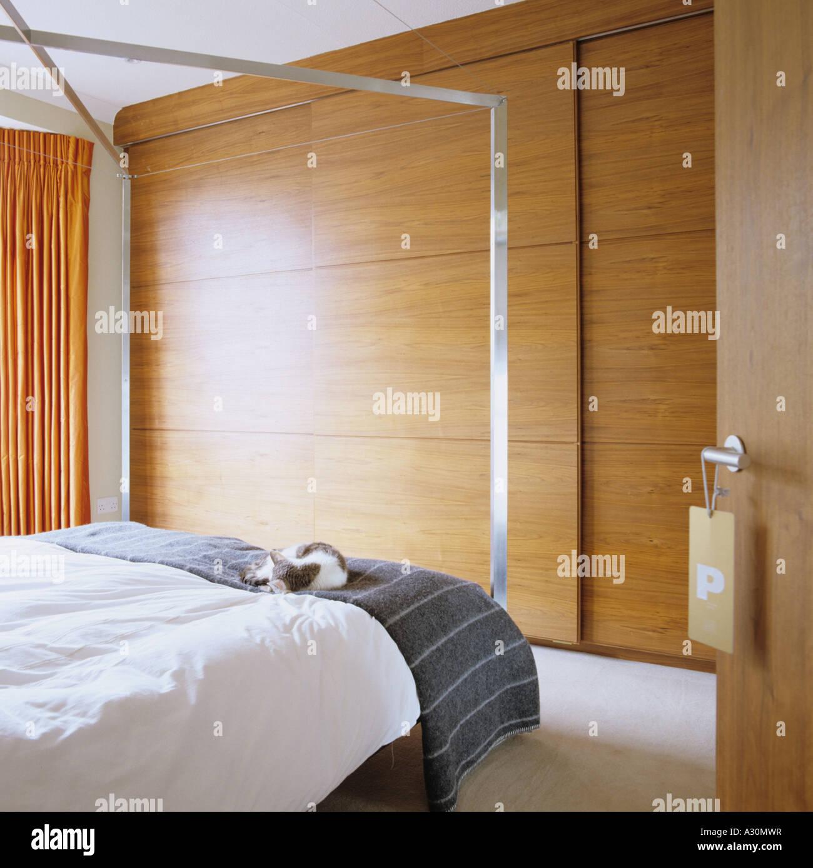 Metall Schlafzimmereinrichtungen Bettkasten in Schlafzimmer mit ...