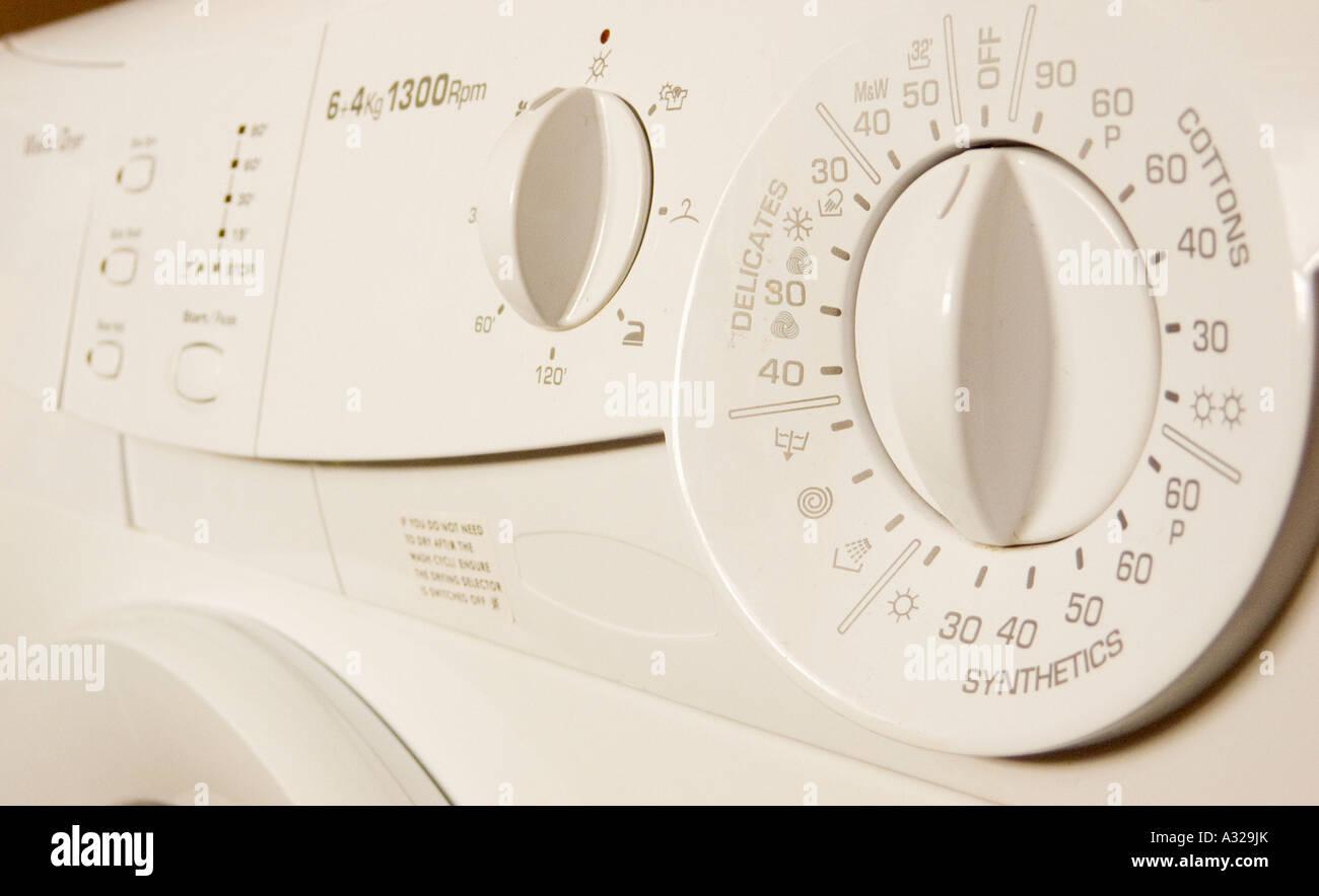 Kleine kuche mit waschmaschine eingebautem geschirrspuler und