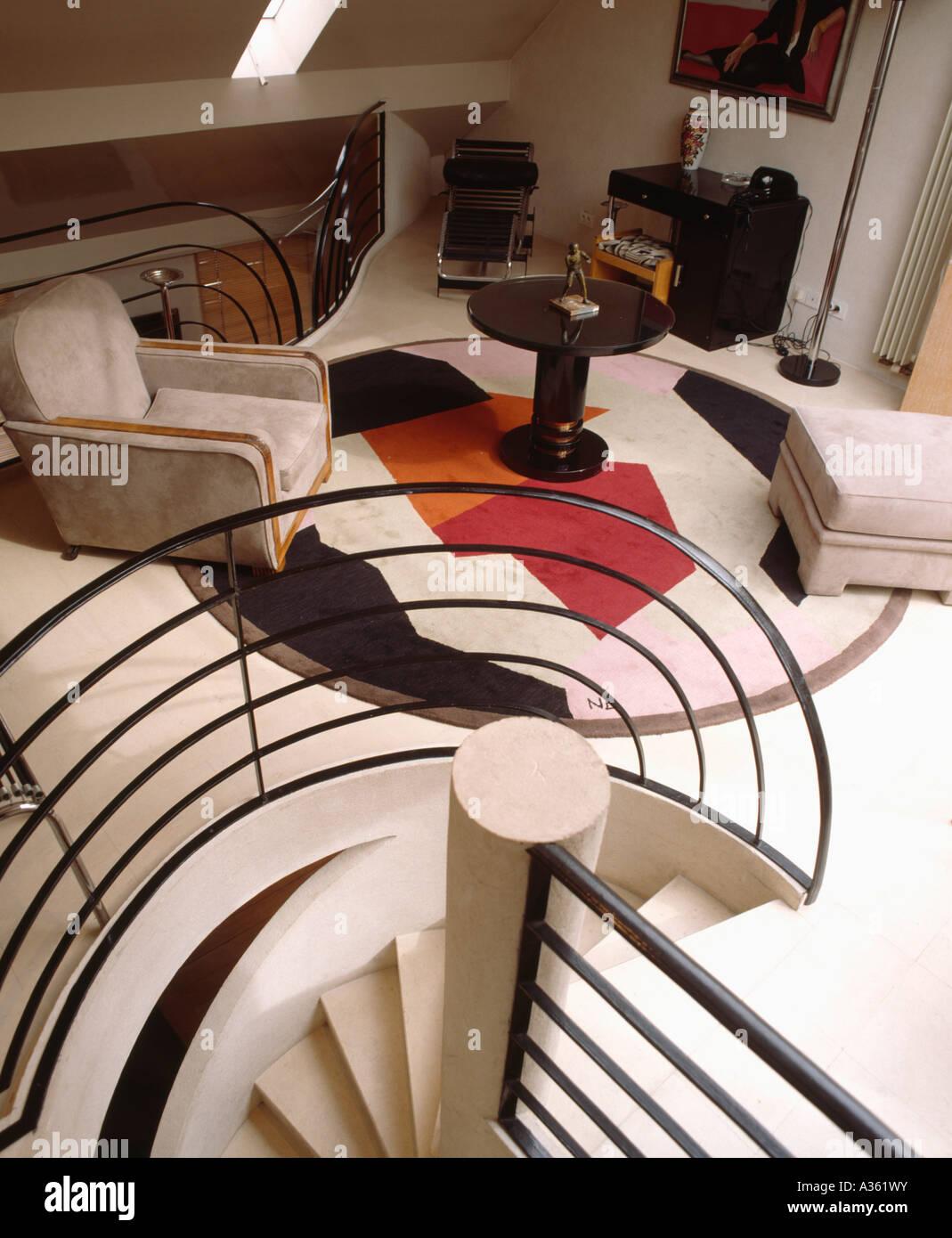 Birdseye Blick auf moderne Wohnzimmer im 30er Jahre Stil mit Art ...