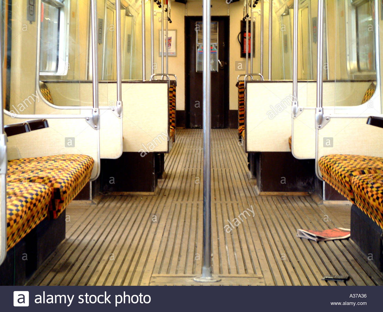 Leere London u-Bahn-Wagen Stockbild