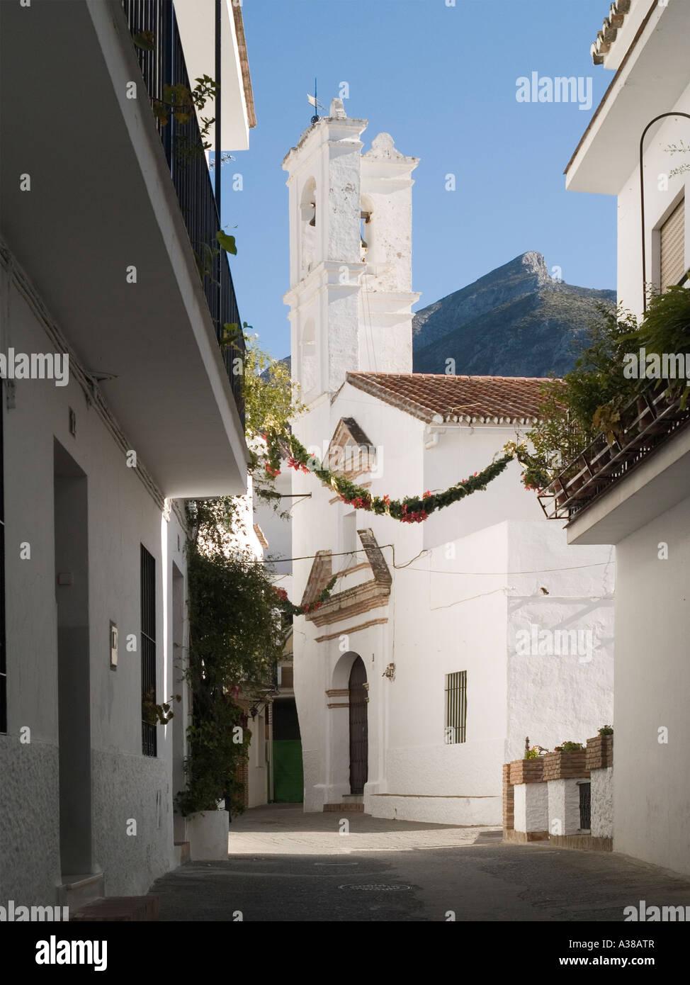die dorfkirche istan in der nahe von marbella andalusien spanien