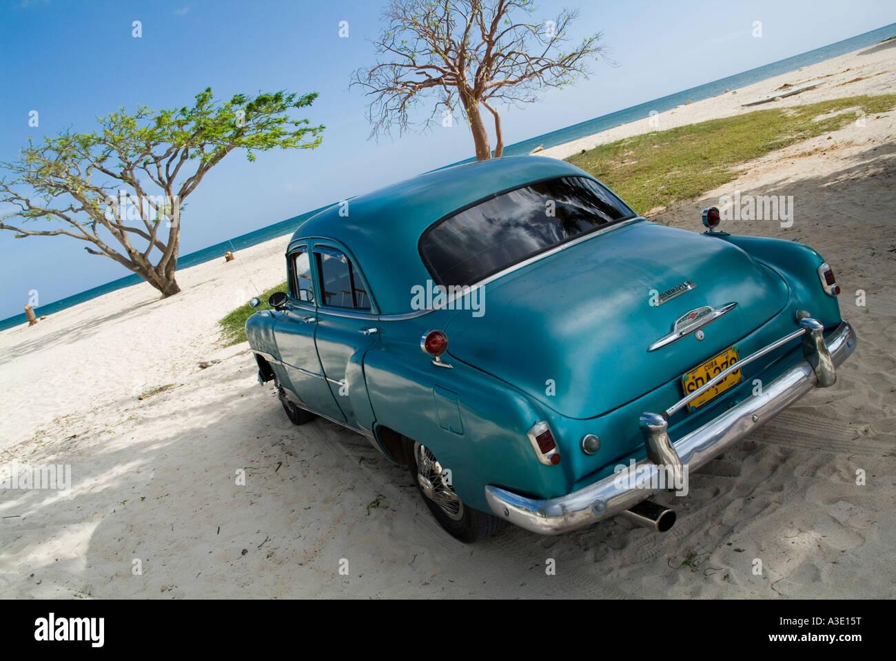 cuba beach car stockfotos cuba beach car bilder seite. Black Bedroom Furniture Sets. Home Design Ideas