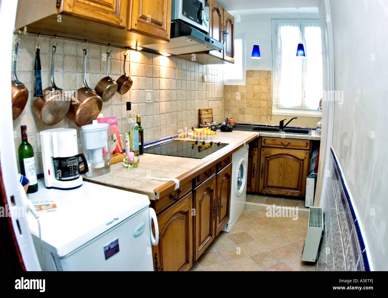Paris Frankreich, nach Renovierungen, alte Wohnung Küche ...