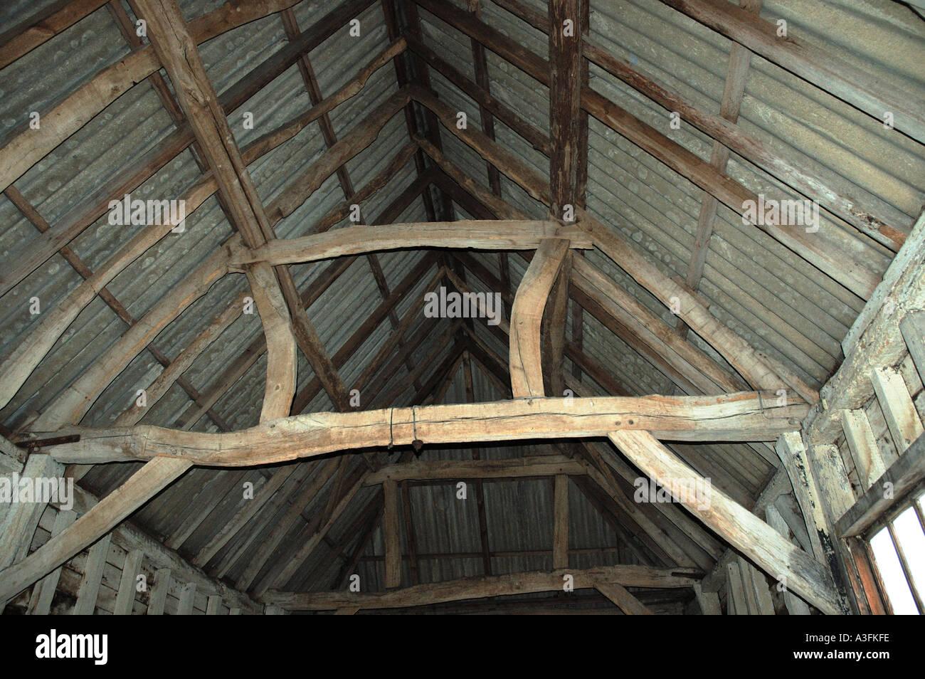 Innendach Bau der historischen Scheune mit Eiche framing Hampshire ...