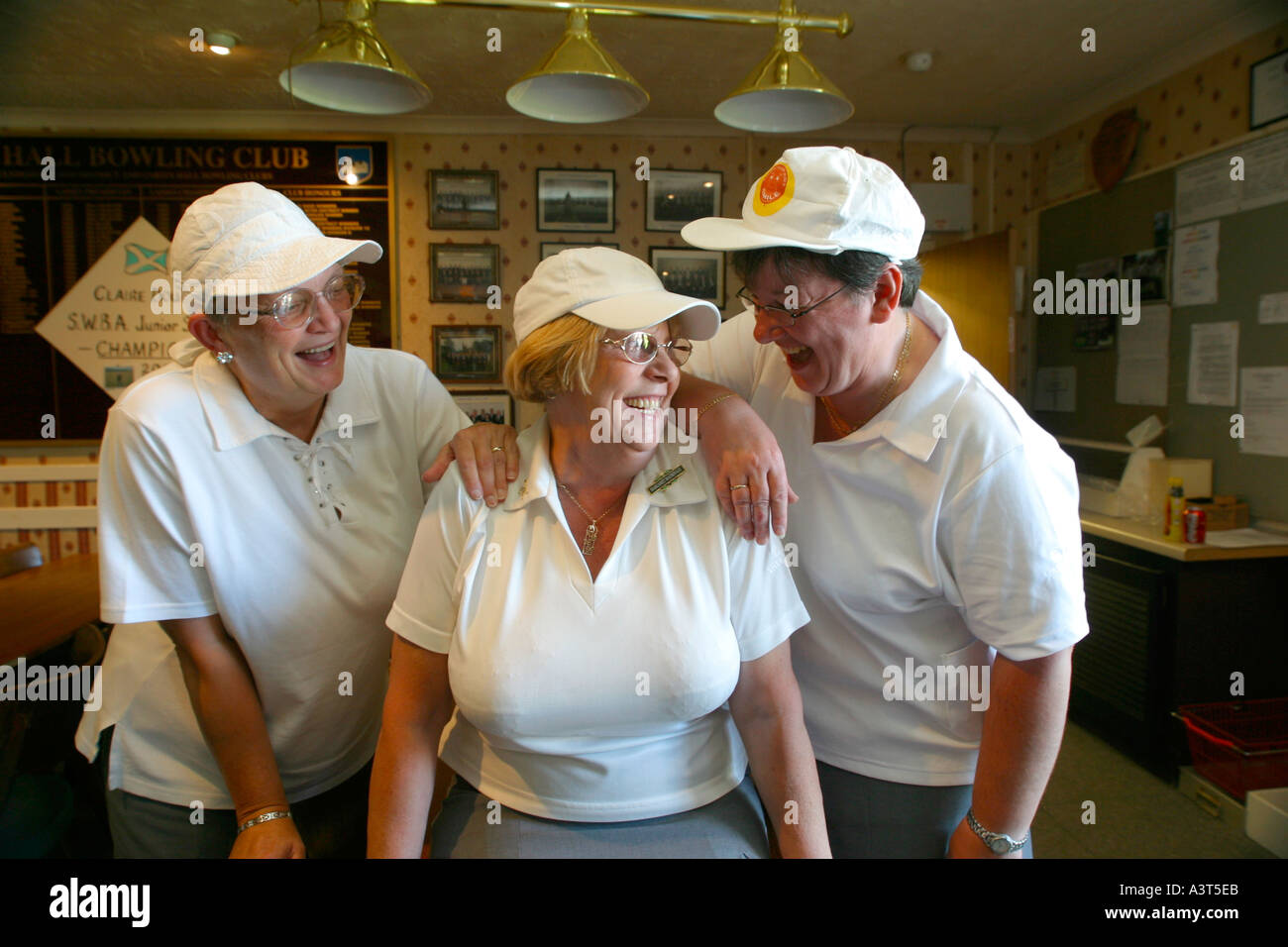 LADY BOWLERS Stockbild