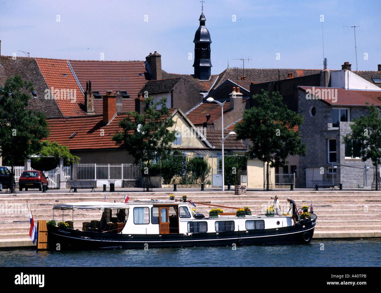 Frankreich Saone Wasserstraßen Kanalschleuse River St Jean de Losne Boot Stockfoto