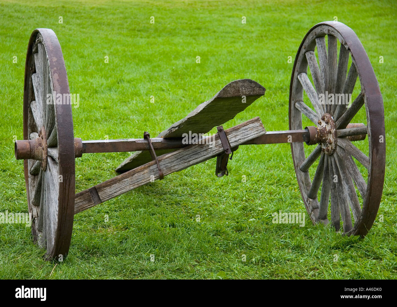 Broken Axle Stockfotos & Broken Axle Bilder - Seite 2 - Alamy