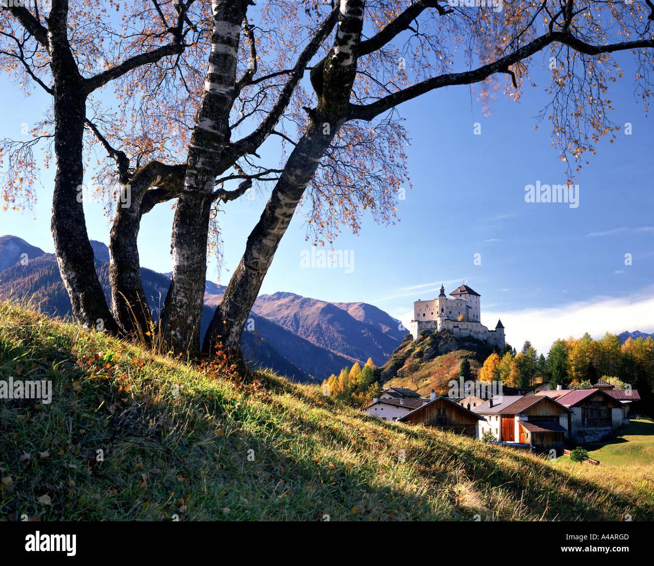 CH - UNTERENGADIN: Schloss Tarasp Stockbild