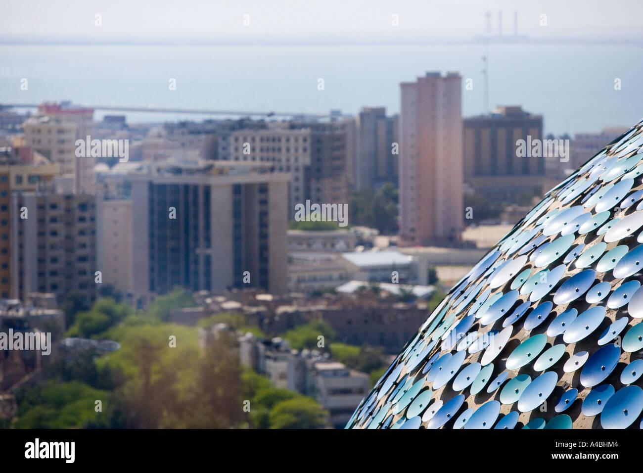 Ein Blick auf Kuwait-Stadt von den Kuwait Towers Stockfoto