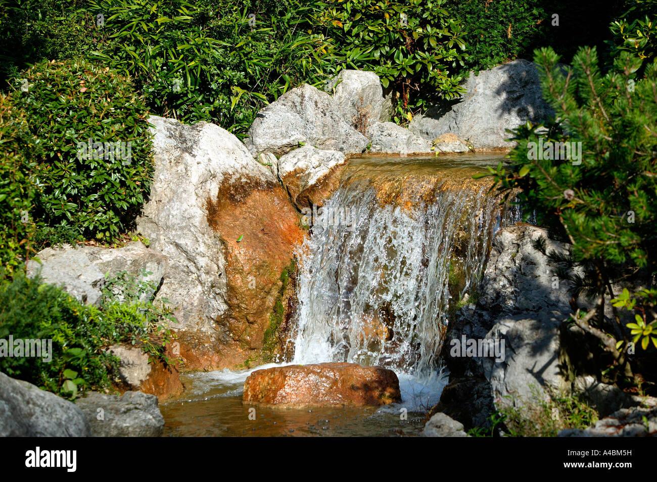 Wasserfall Im Garten Stockfotos Wasserfall Im Garten Bilder Alamy
