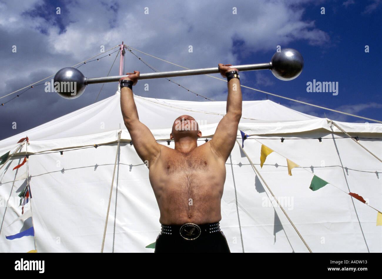 Strong Man Circus Stockfotos und  bilder Kaufen   Alamy