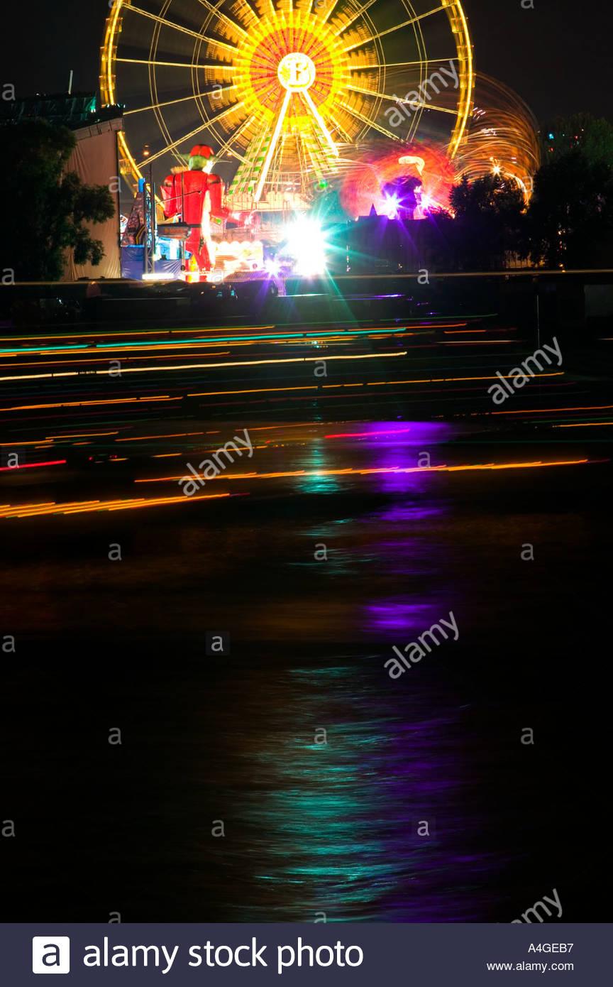 Vergnügungspark Nacht Dunkelheit Licht Schleife Kirmes Jahrmarkt ...