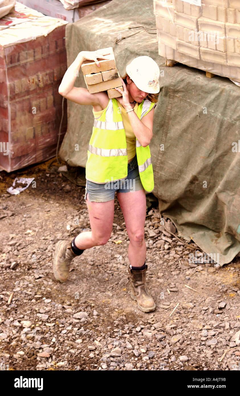 EINE WEIBLICHE MAURER UK Stockfoto