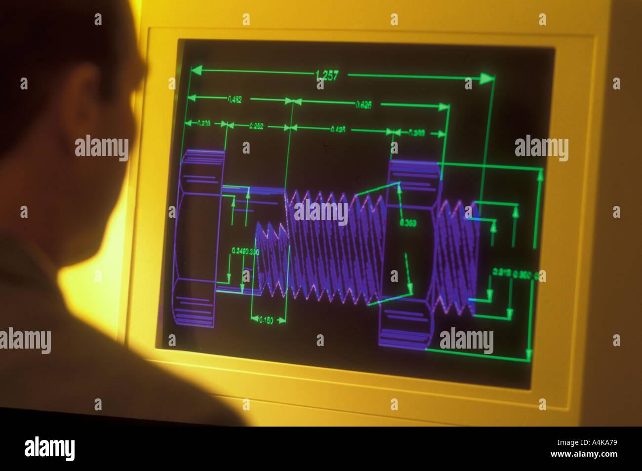 Design-Ingenieur Studium Schaltplan am Computer-Bildschirm Stockfoto ...