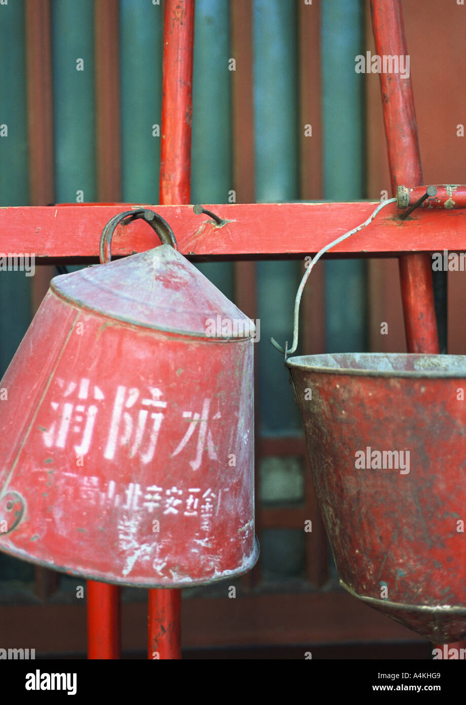 China, Brandbekämpfung Eimer Stockbild