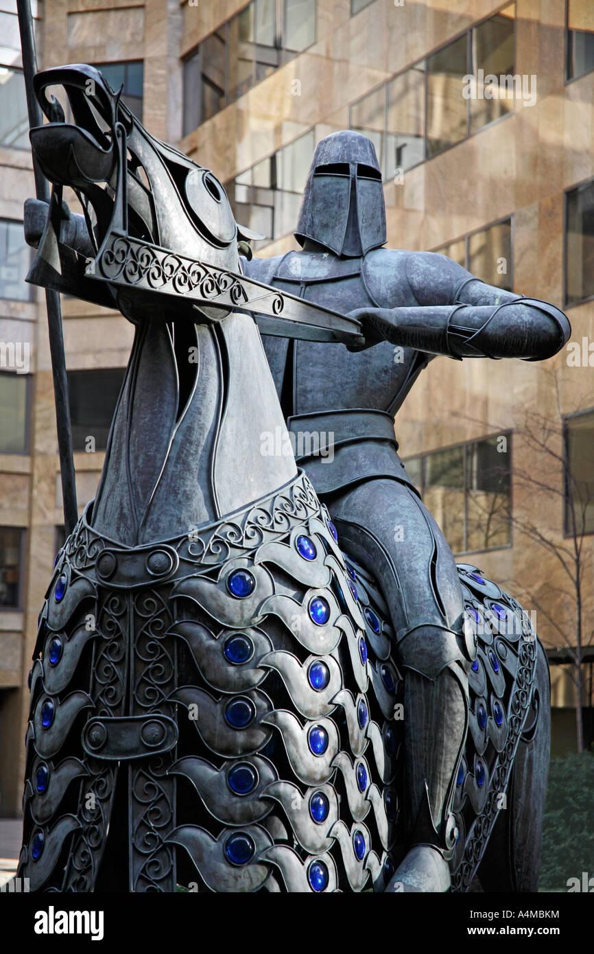 Statue des mittelalterlichen Ritter zu Pferd. Devonshire Square, Stadt, London, England, UK Stockbild