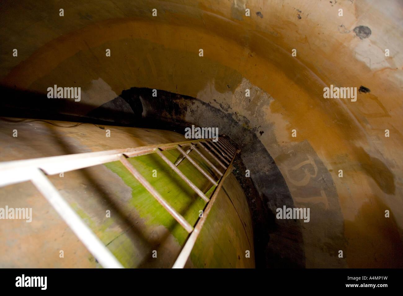 Innere des Wasserturm Tank (Cher - Frankreich). Intérieur du Réservoir d' un Château d' Eau Stockbild