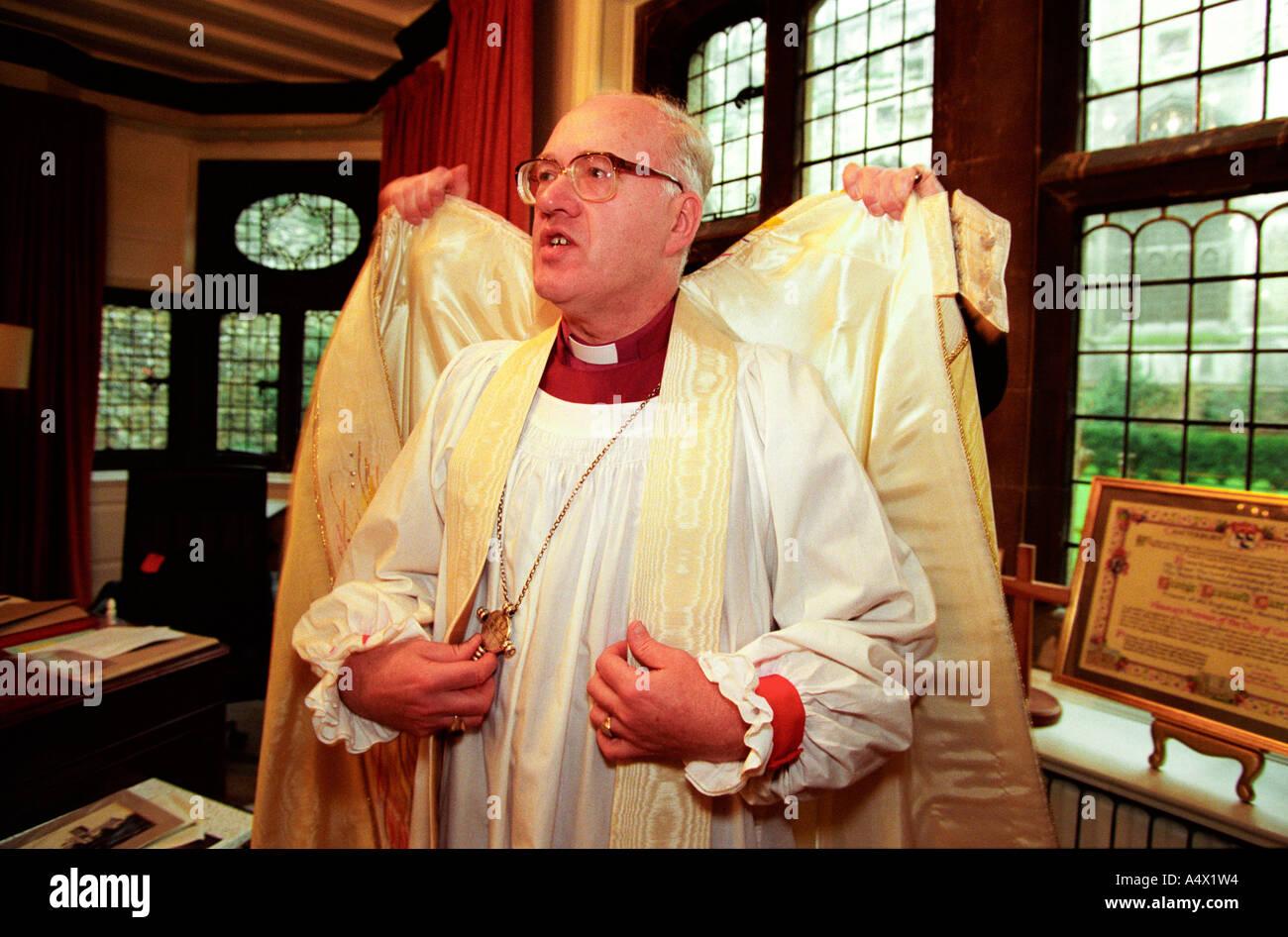 Der Erzbischof von Canterbury Dr George Carey Verband in seinen ...