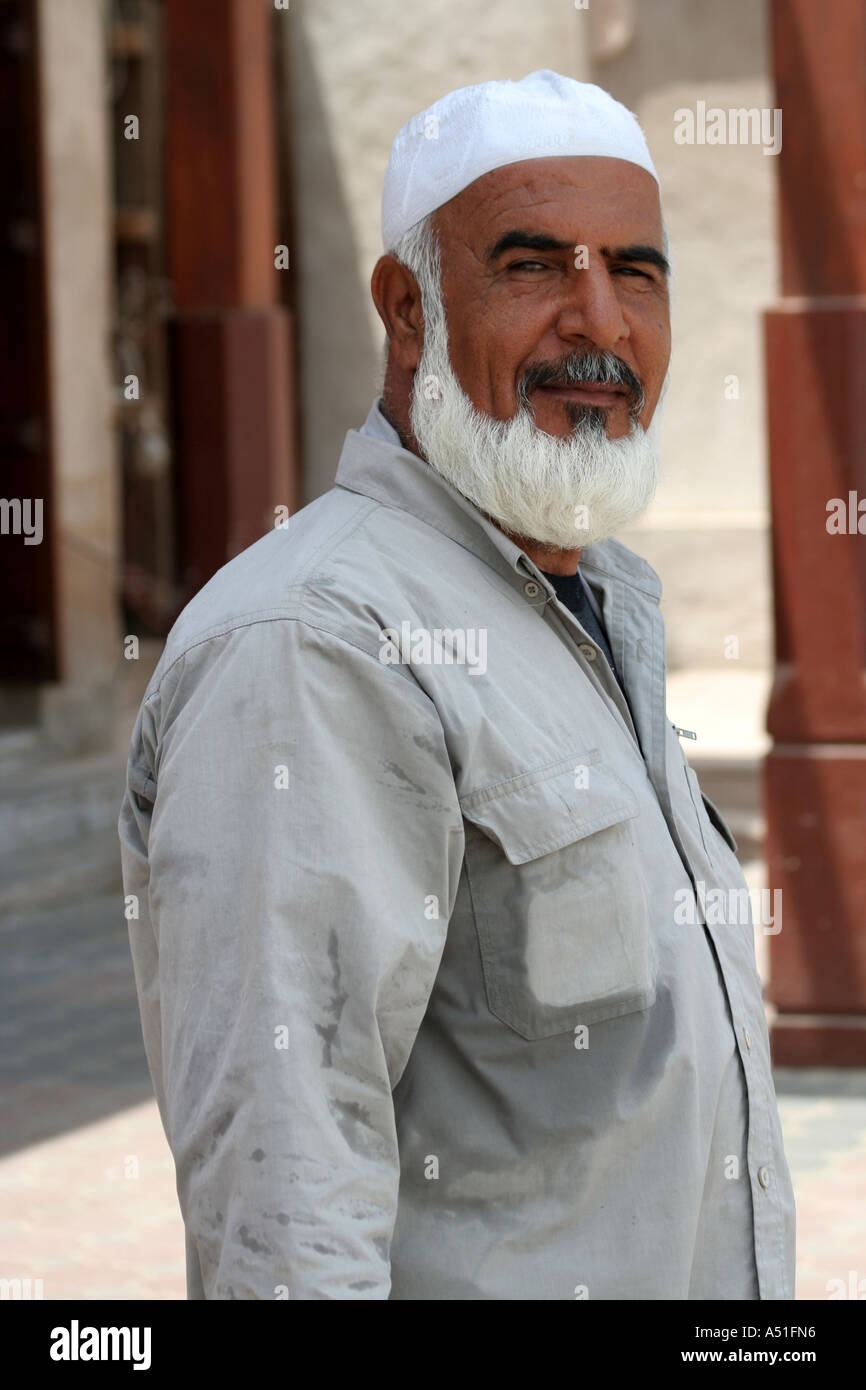 Muslimischer mann aus weißen mädchen