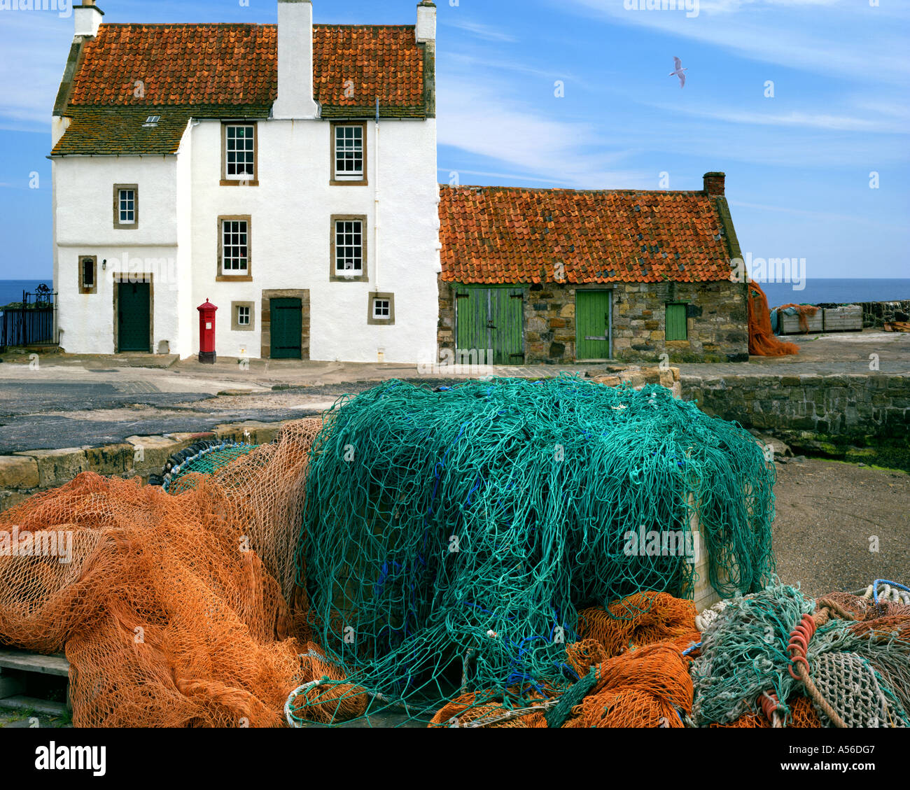 GB - Schottland: Cottage in Pittenweem Harbour Stockbild