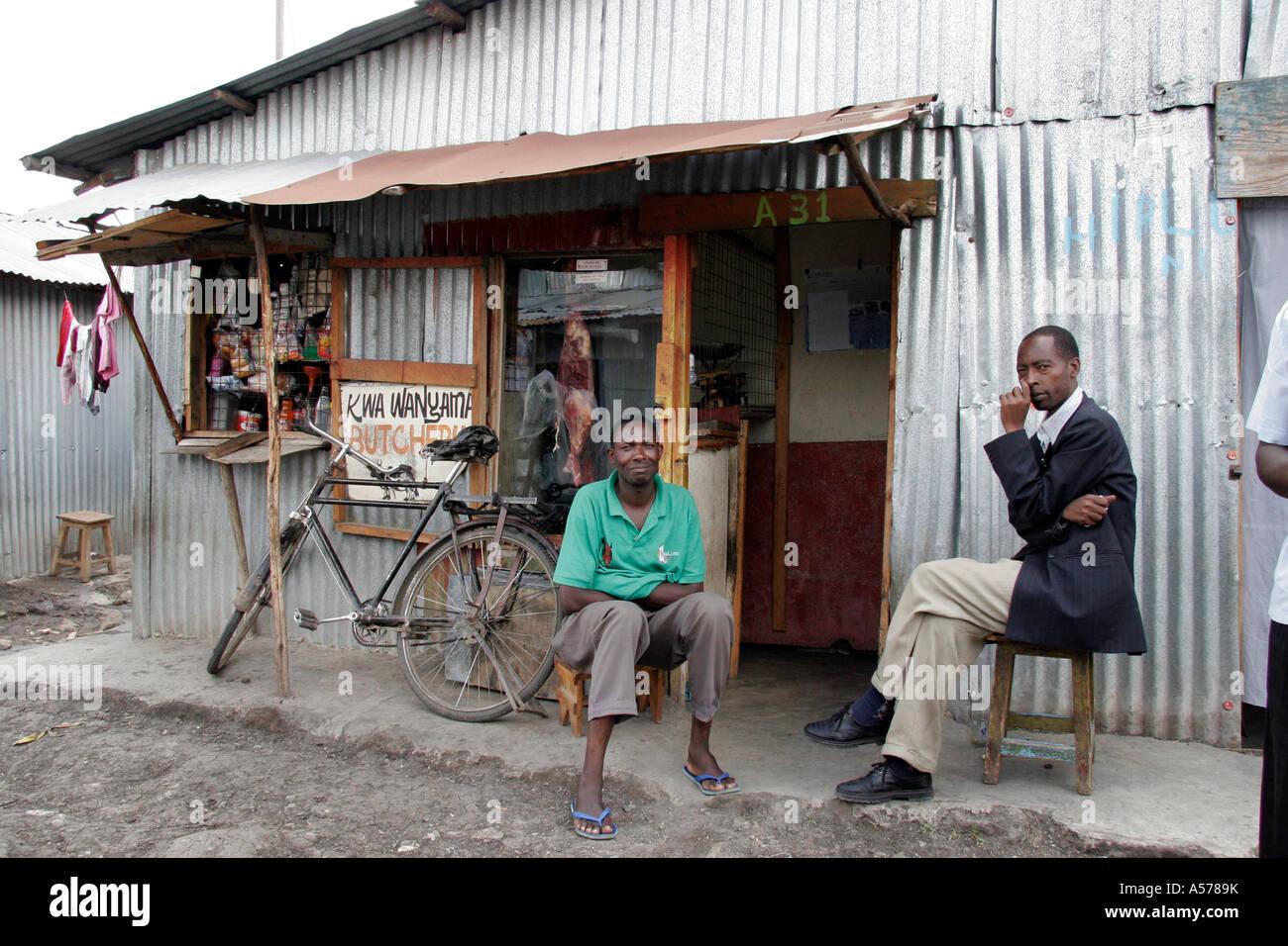 painet kenya mukuru nairobi mombasa stockfotos painet kenya mukuru nairobi mombasa bilder alamy. Black Bedroom Furniture Sets. Home Design Ideas