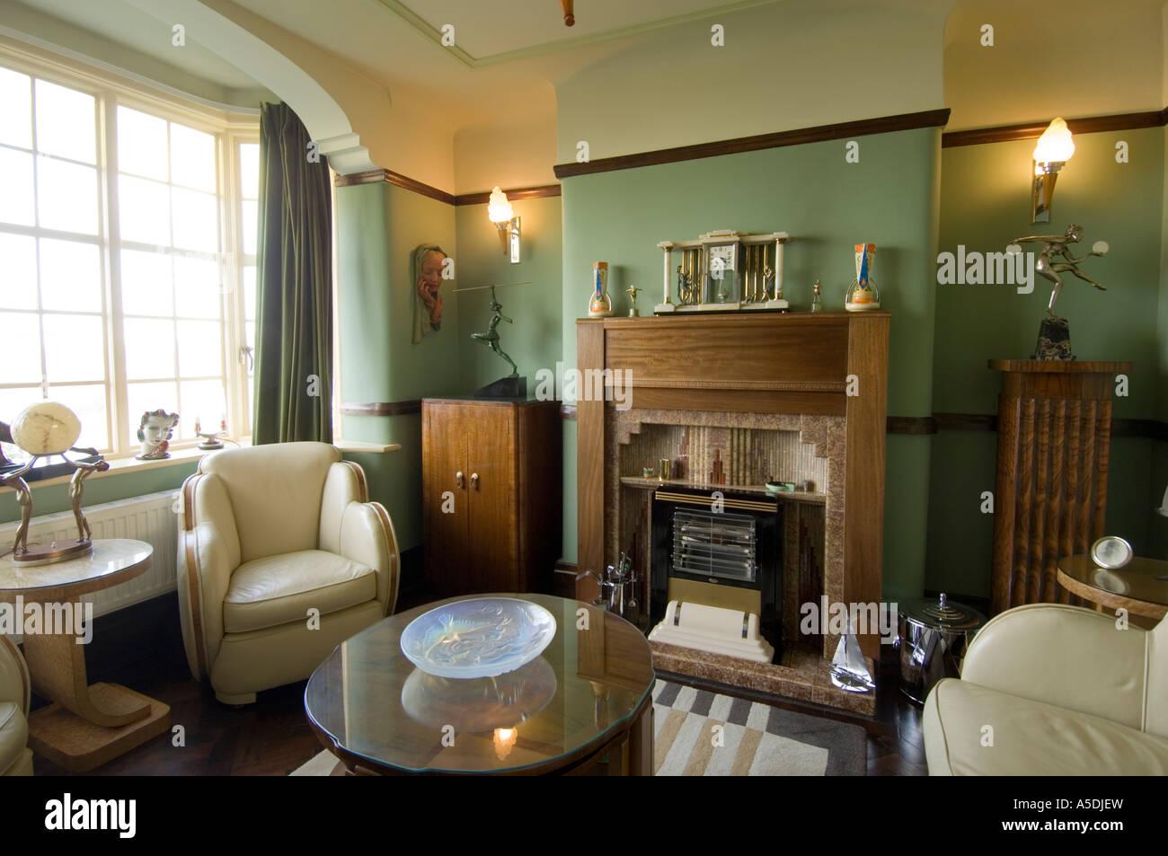 renoviertes Art-Deco Jugendstil 1930 s Haus innen Lounge Wohnzimmer ...