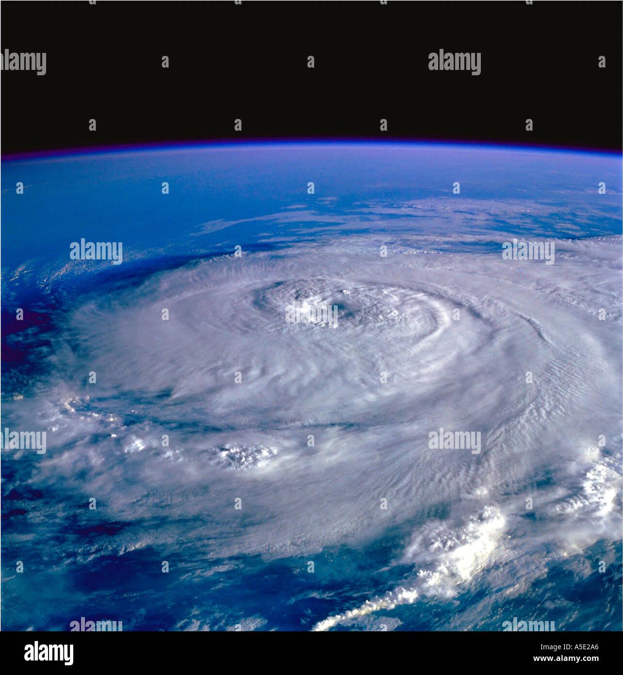 Satellitenbild des Hurrikans Erde aus dem Weltraum Stockbild