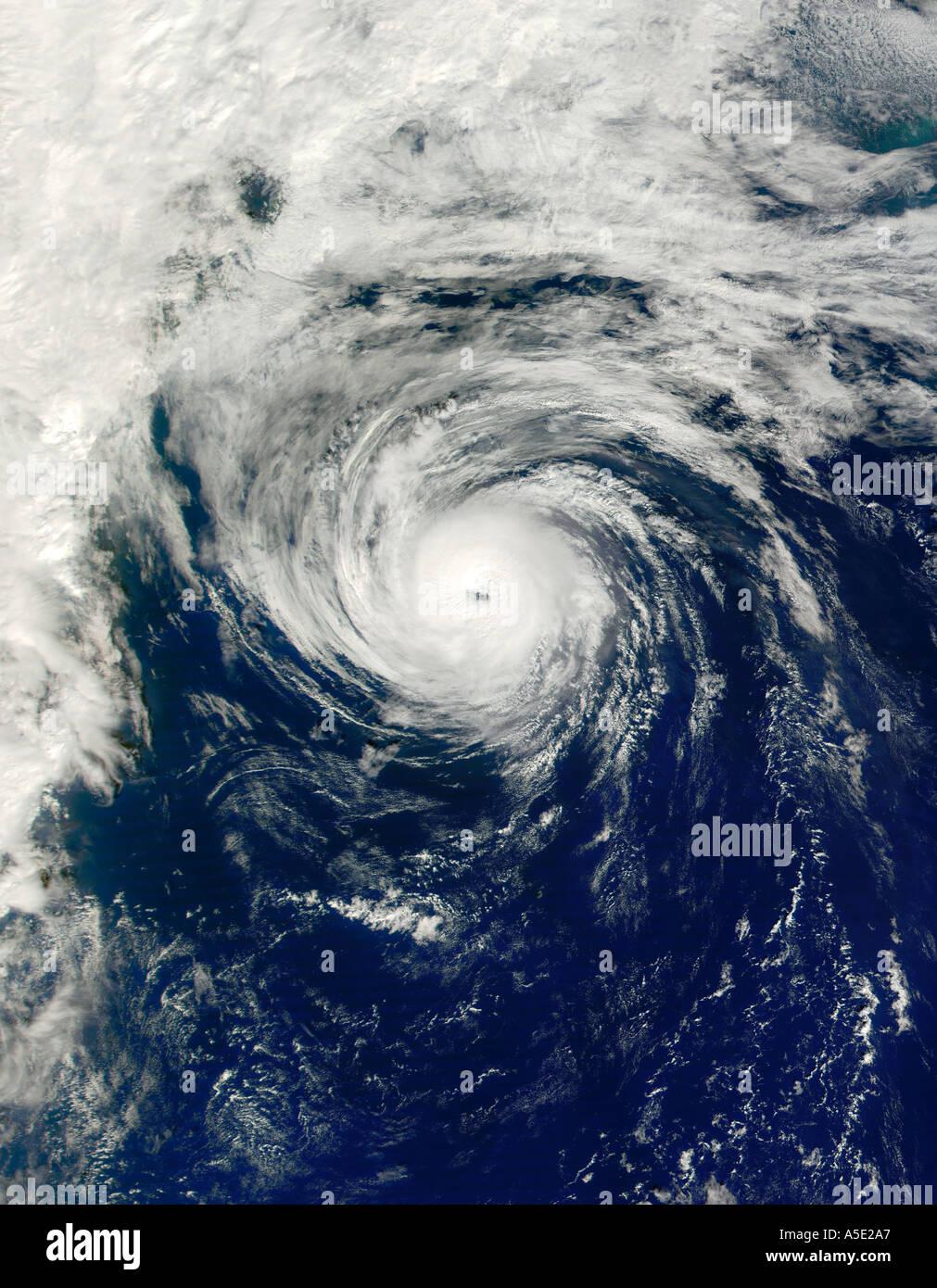 Satellitenbild von einem Hurrikan-Erde aus dem Weltraum Stockbild