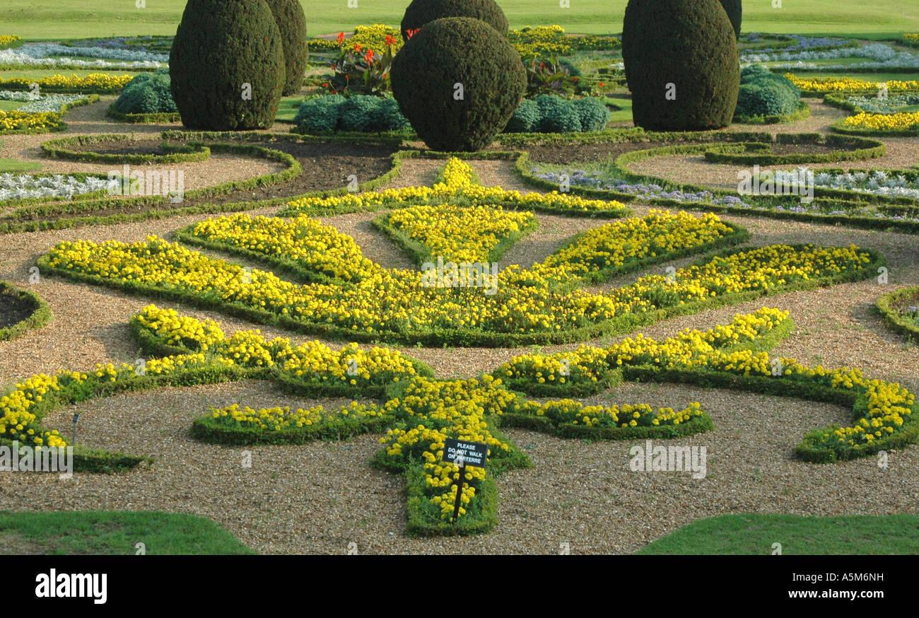 Versailles Palace Garden Flowers Stockfotos und bilder
