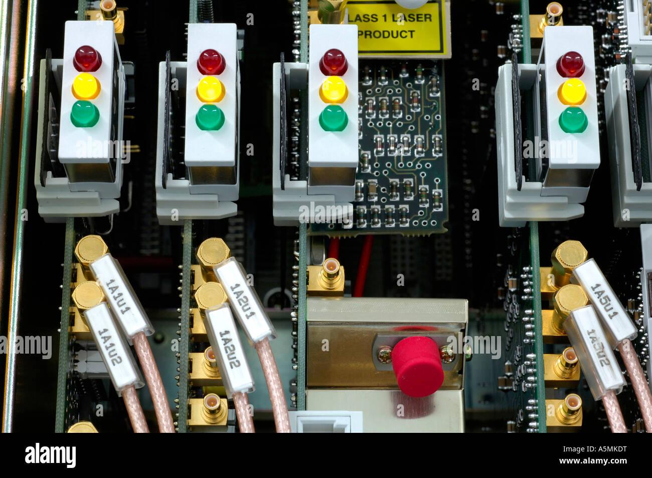 Netzwerktechnik Strom Elektronik Kabel Stecker Buchse LED Lampe Laempchen Computernetwork Netzwerk Kommunikation Stockbild
