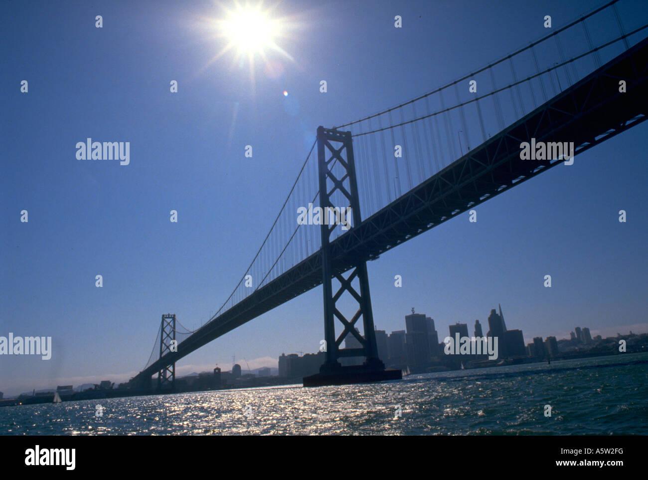 Painet hl1089 totale golden Gate San Francisco Kalifornien Bay bridge Stadtbild Skyline Wasser Wellen Sonne Sonnenlicht Stockbild