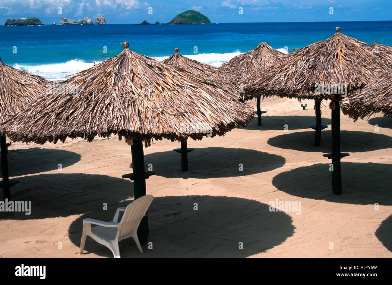 Painet hv2437 03 Palapas palmar Strand Pazifik Ixtapa Mexico hispanische Konto Angemessenheit Vorteil Vorteilhaftigkeit Stockbild