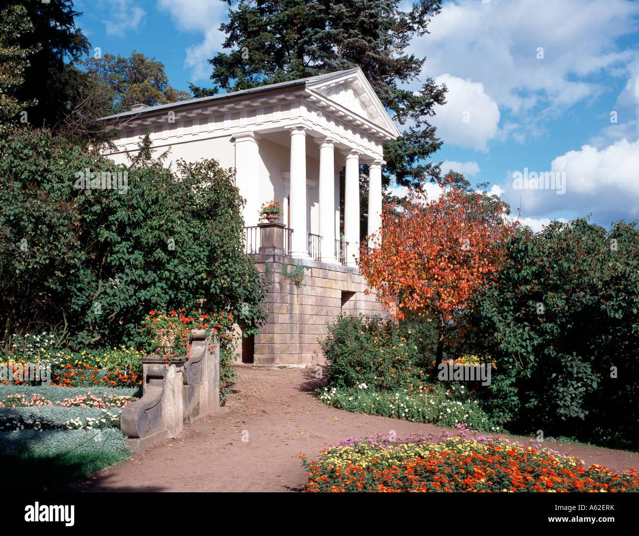Englischer Garten Teehaus: Wörlitzer Park, Flora-Tempel Stockfoto, Bild: 11438838