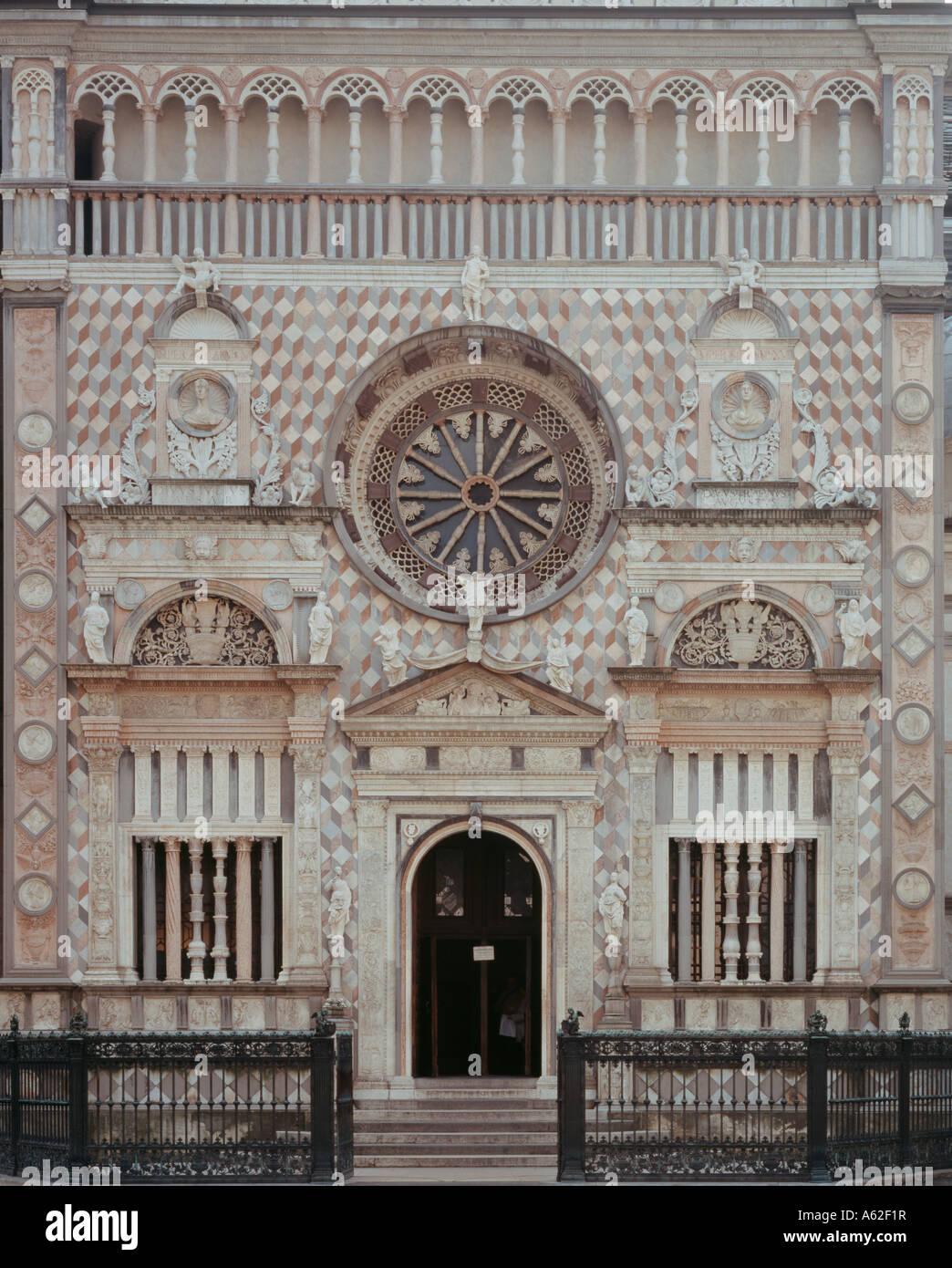 Bergamo, Colleoni Kapelle, Nord-Fassade Stockbild