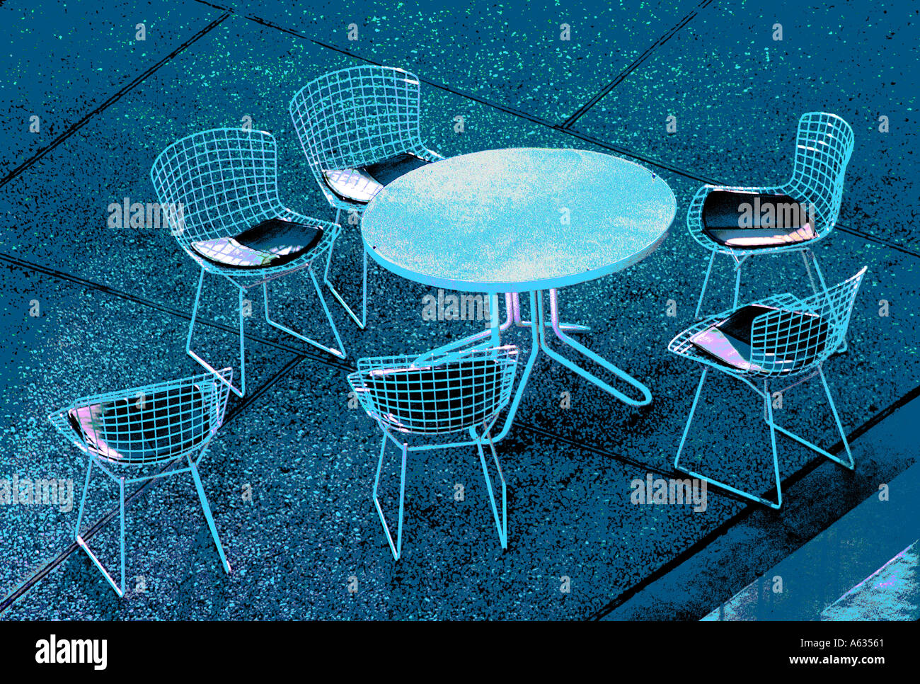 Stahl Terrasse Gartenmöbel Tisch Und Stühle Auf Konkreten