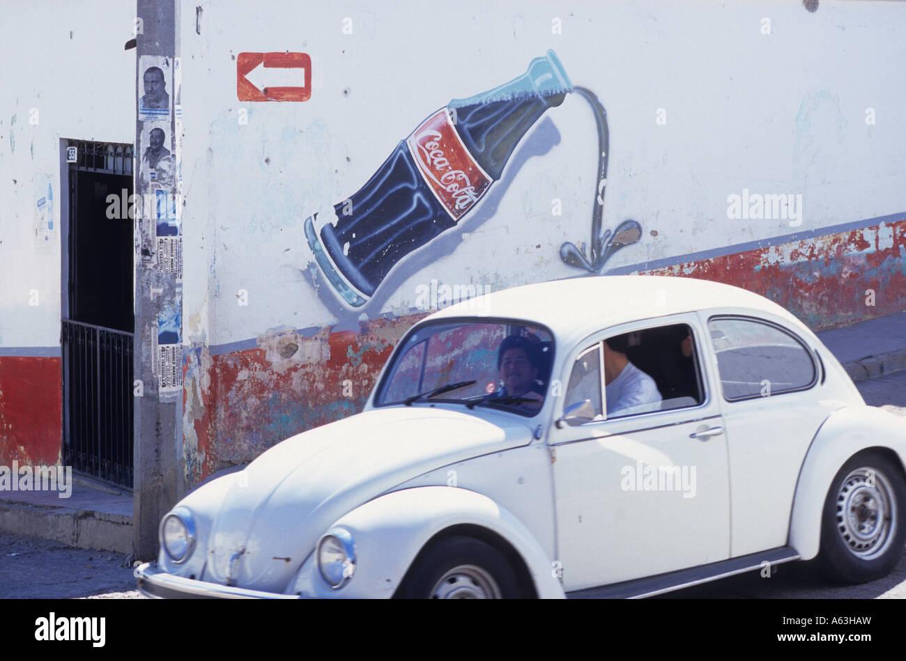coke cola advert stockfotos coke cola advert bilder alamy. Black Bedroom Furniture Sets. Home Design Ideas