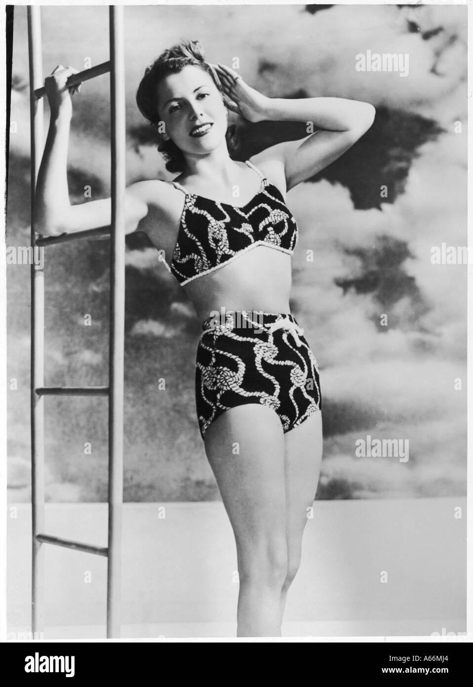 40er Jahre zweiteilige Kostüm Stockbild