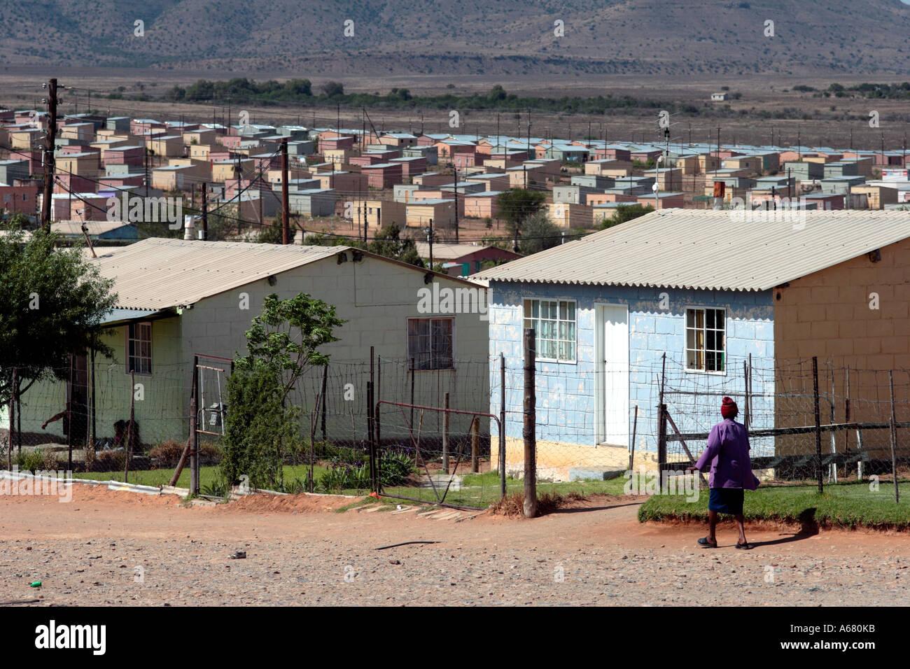 neue h user f r die armen in s dafrika nach der apartheid stockfoto bild 6565946 alamy. Black Bedroom Furniture Sets. Home Design Ideas