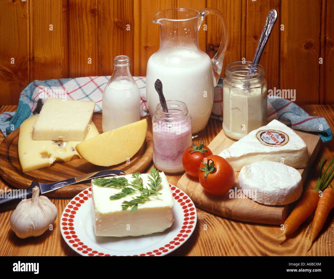 Milch und Käse Stockfoto