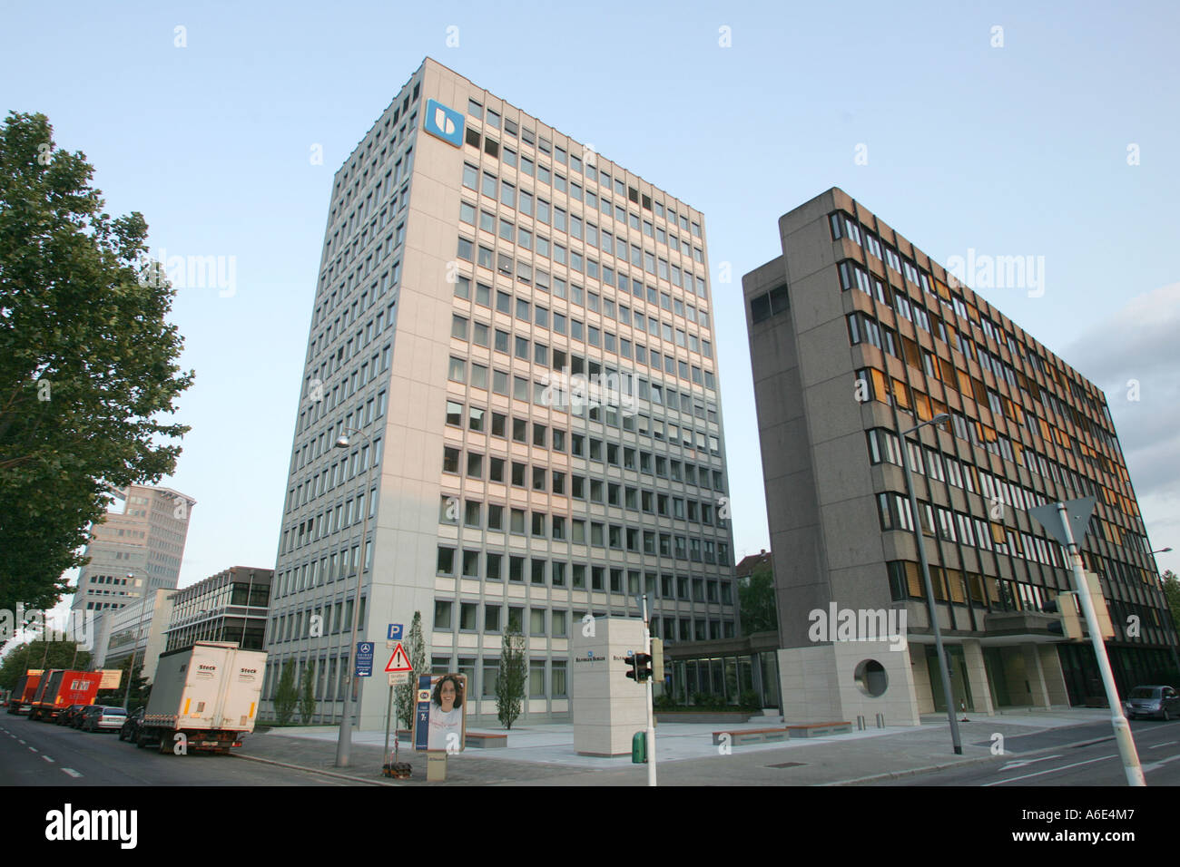 08.06.2005, Mannheim, DEU, Außenansicht der Firma Hauptsitz der ...
