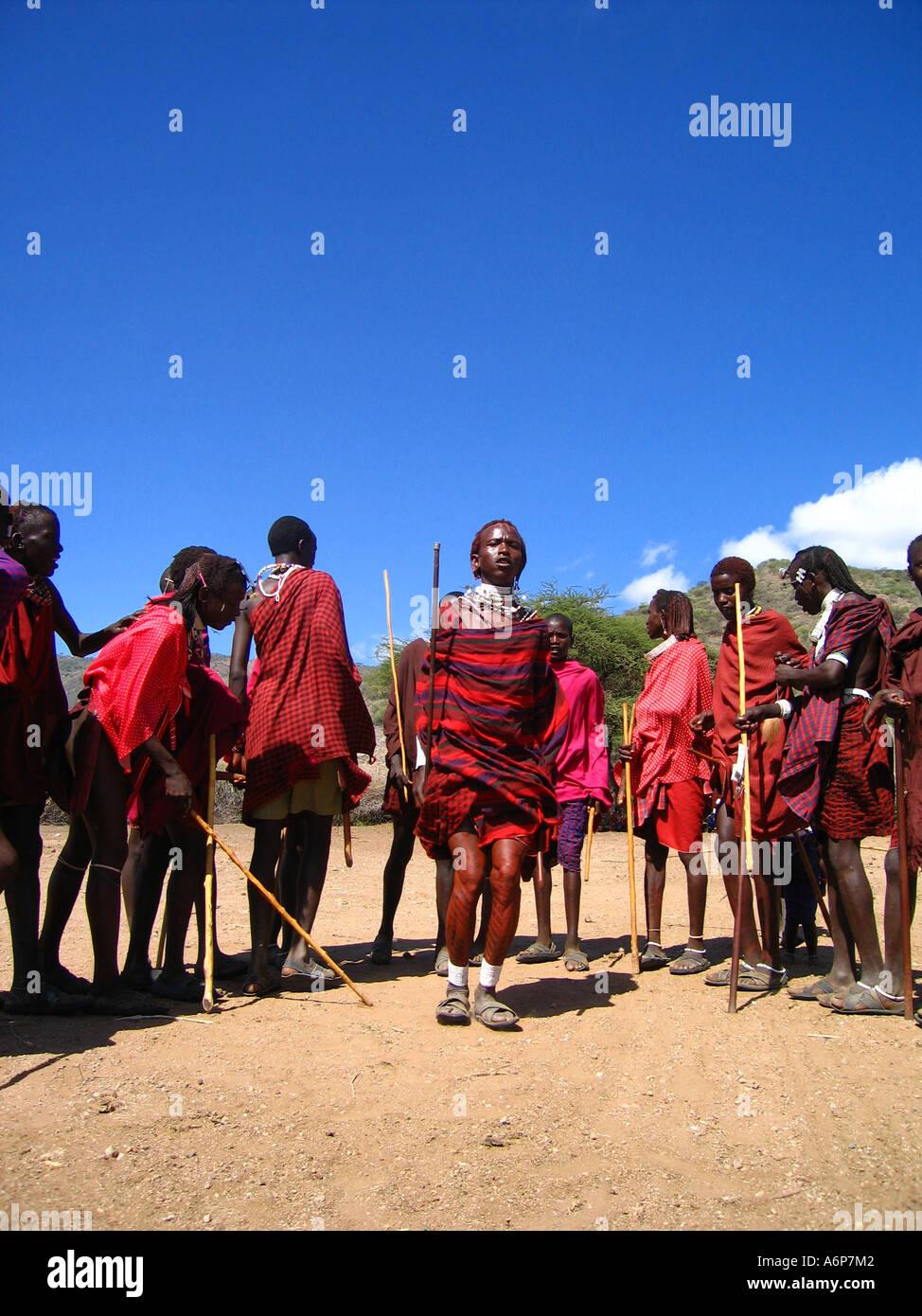 Tanz Der Massai Morani Stockfoto Bild 6642561 Alamy