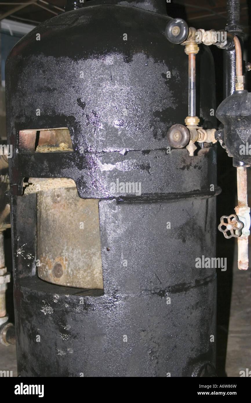 Wohn Kessel Spray schwarz lackiert nach Entfernung von Asbest ...