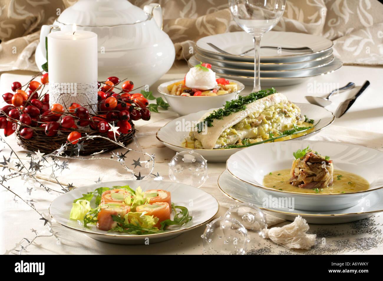 Weihnachts-Menü Lachs-Terrine Creme von Pilzen Suppe Steinbutt und ...