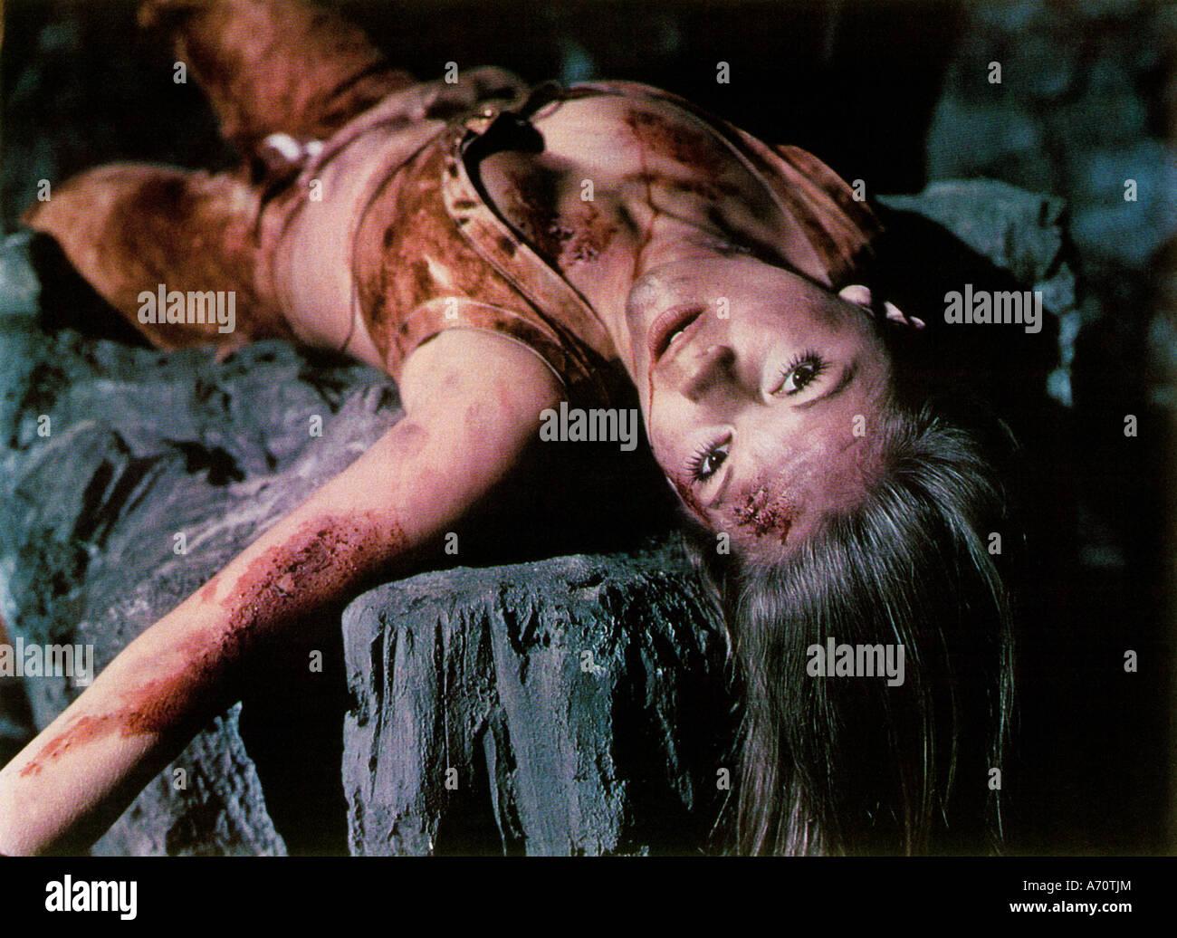 Turm der lebenden Leichen aka Horror von Snape Insel 1972 MGM/EMI Film mit Anna Palk Stockbild