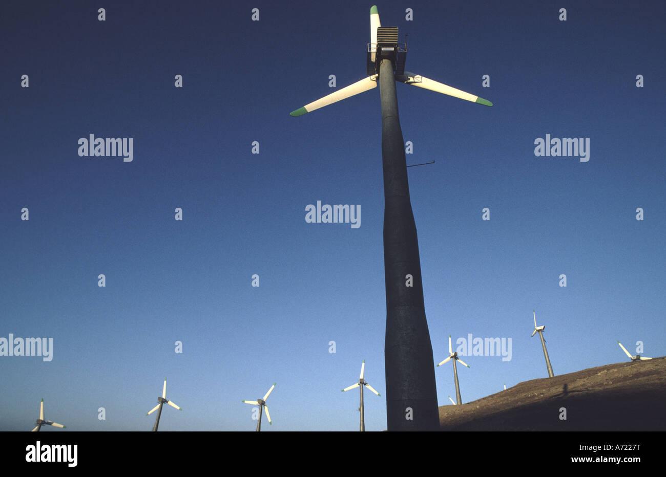 eine abstrakte Foto einer Windmühle, die Erzeugung von Strom in Kalifornien Stockbild