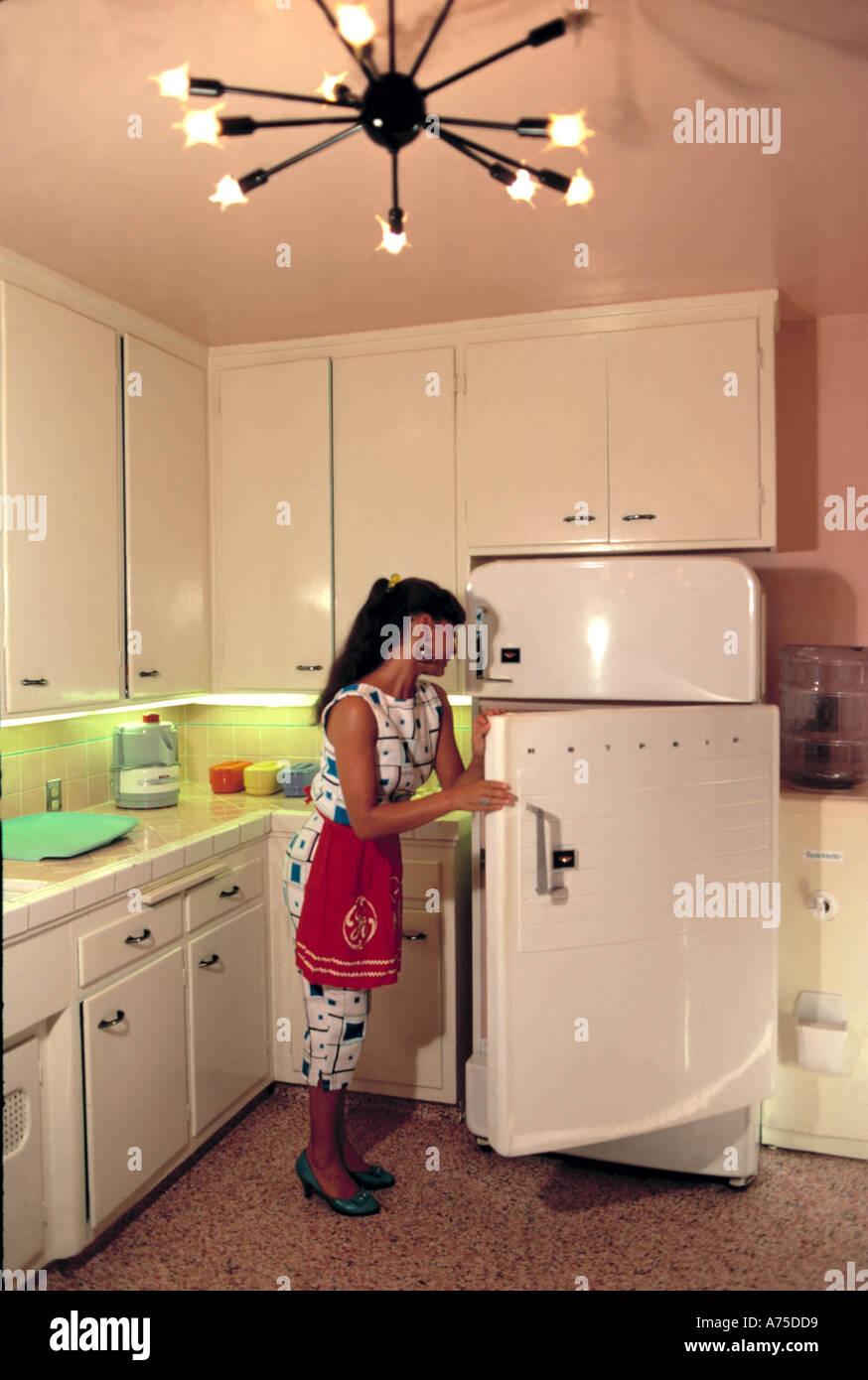 1950 Kitchen Stockfotos & 1950 Kitchen Bilder - Alamy